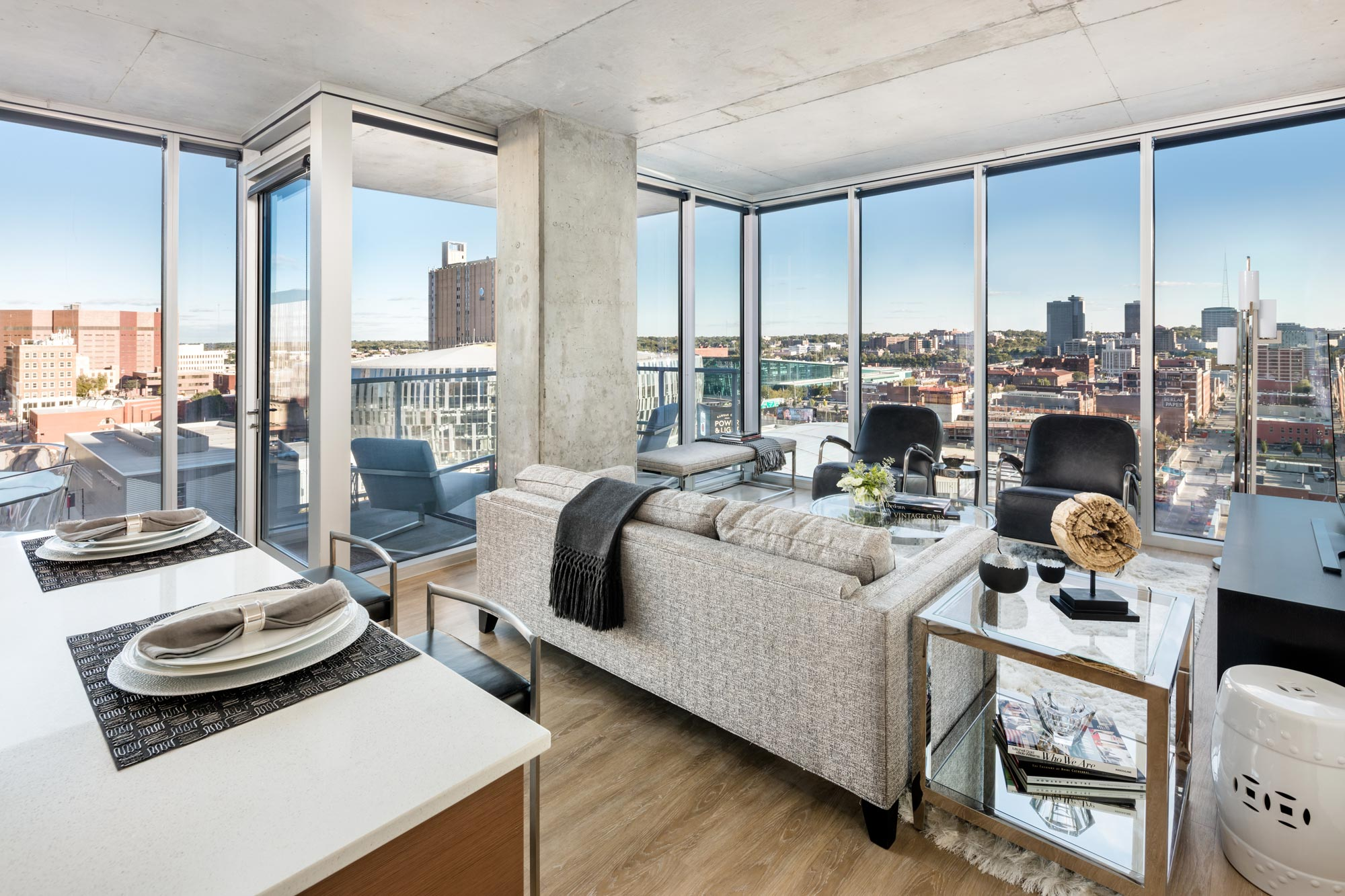 MAKING THE RIGHT MOVE | LUXURY LIVING IN DOWNTOWN KANSAS CITY