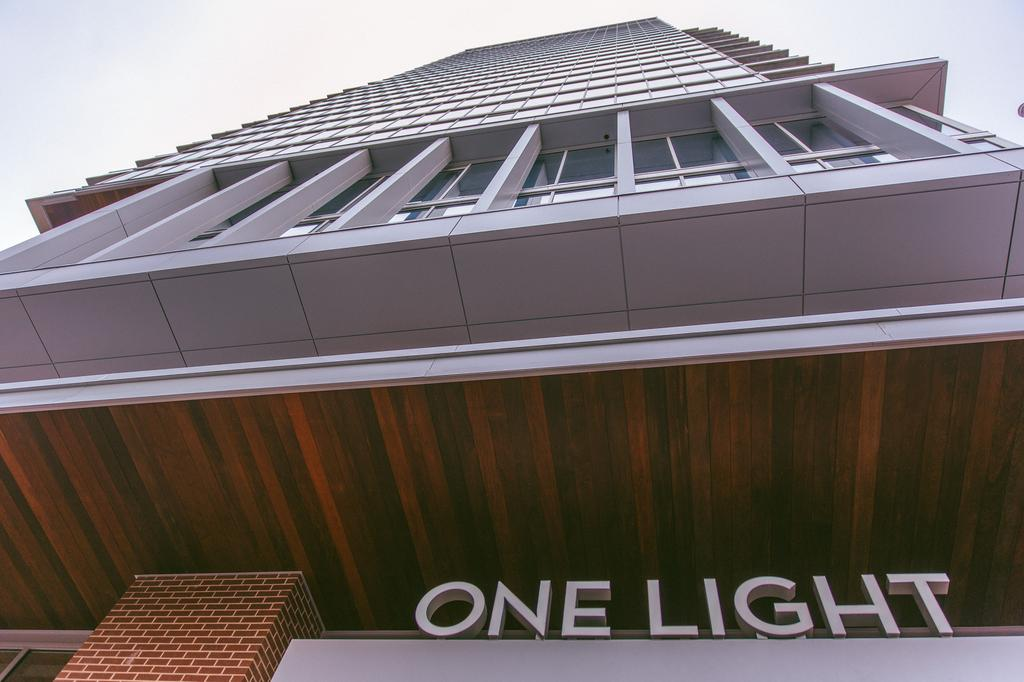 KANSAS CITY CELEBRATES ONE LIGHT GRAND OPENING